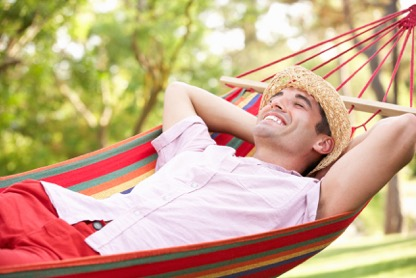 stockfresh_4349244_man-relaxing-in-hammock_sizeM